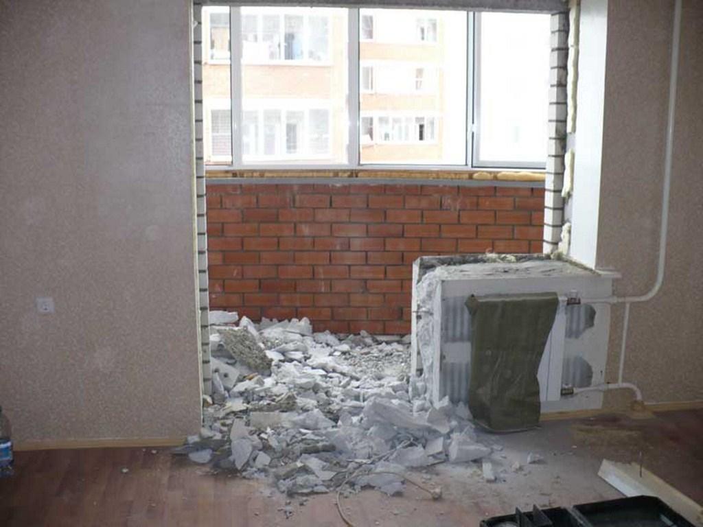 Демонтаж кирпичных стен, перегородок строим в клину. бригада.